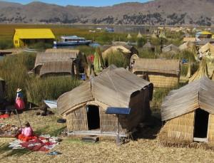 Vassöarna är gjorda av torkad vass (totora) överst och med flera meter tjocka skikt av rottrådar från vass under.